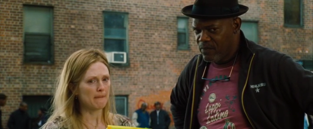 Brenda (Julianne Moore) and Lorenzo (Samuel L. Jackson)